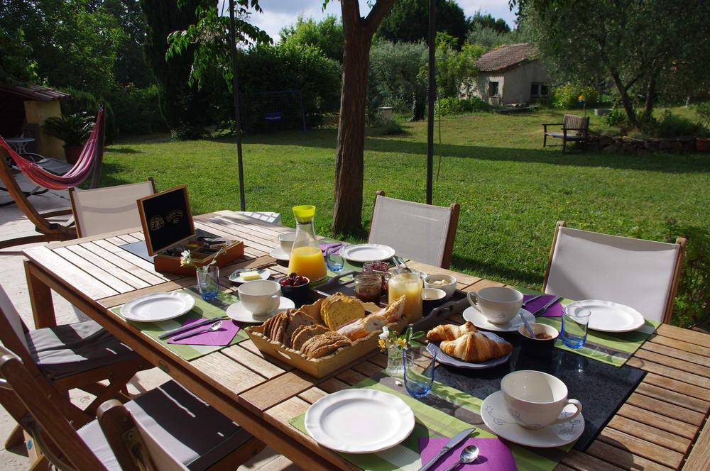 Table extérieur